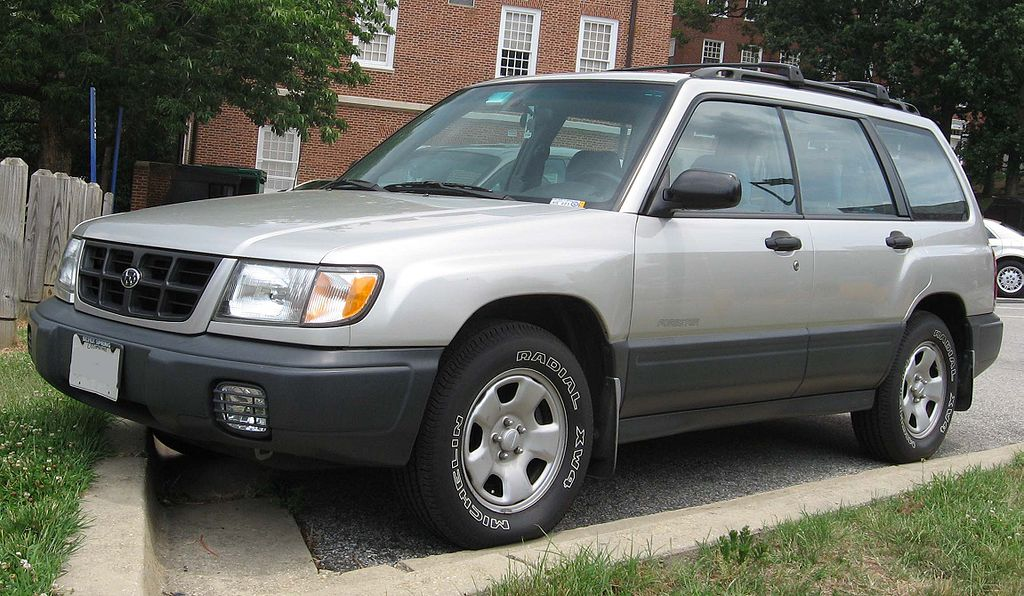 1024px-98-00_Subaru_Forester