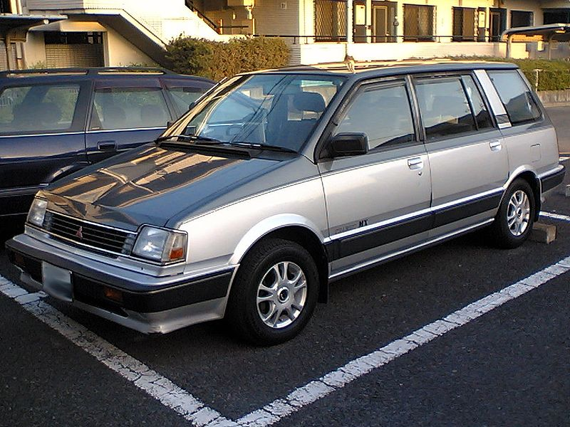 800px-Mitsubishi_Chariot_1st_gen_Japan